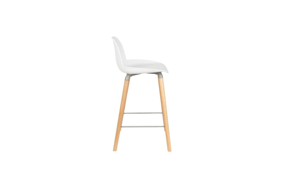 Created by Zuiver in collaboration with the APE design studio, it is available in several colours