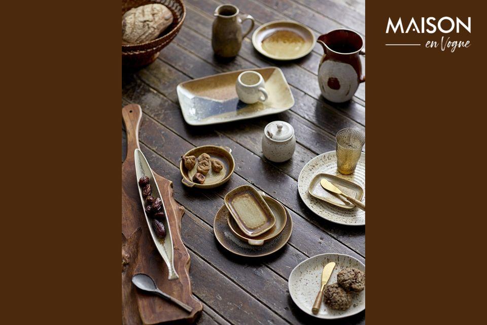 Charming small dish in contemporary stoneware
