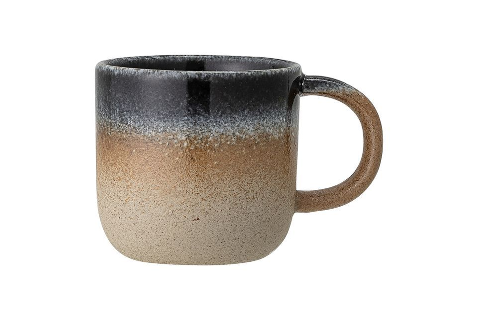 This little cup will be a perfect ornament on your table with its natural style and colour