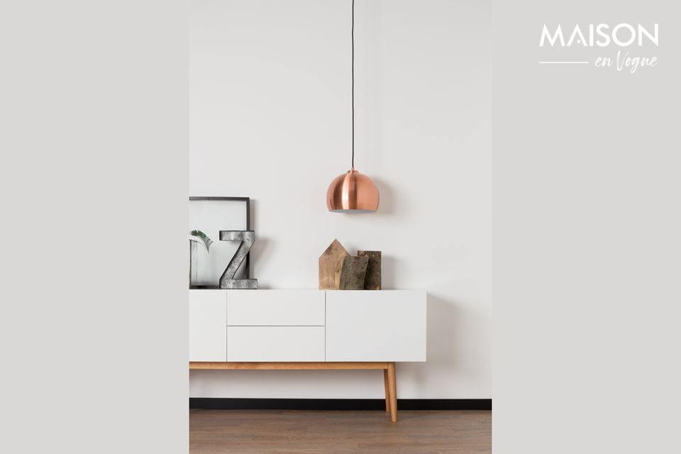 A chic and retro lamp