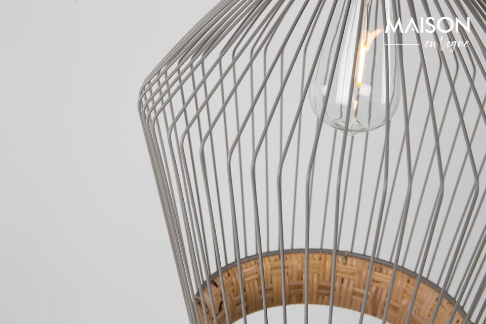 Its astonishing lampshade is made of woven natural rattan and grey painted iron