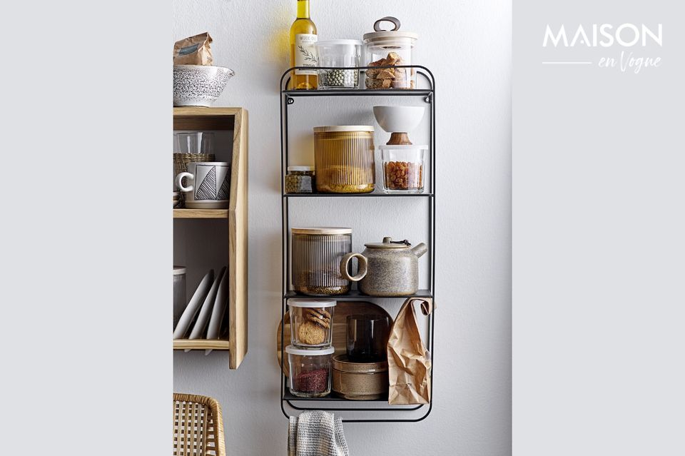 This oak shelf with three levels will allow you to store many objects