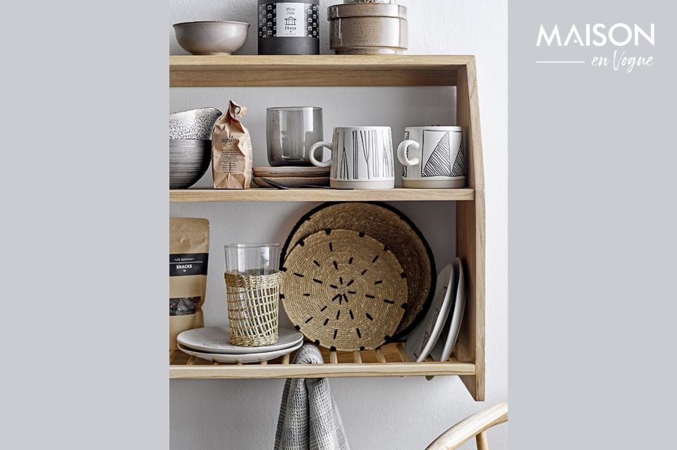 A practical and uncluttered shelf