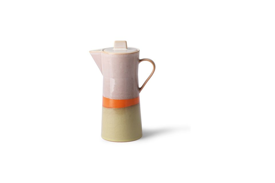 Unique because of its handmade finish, this ceramic coffee maker is inspired by the 70\'s