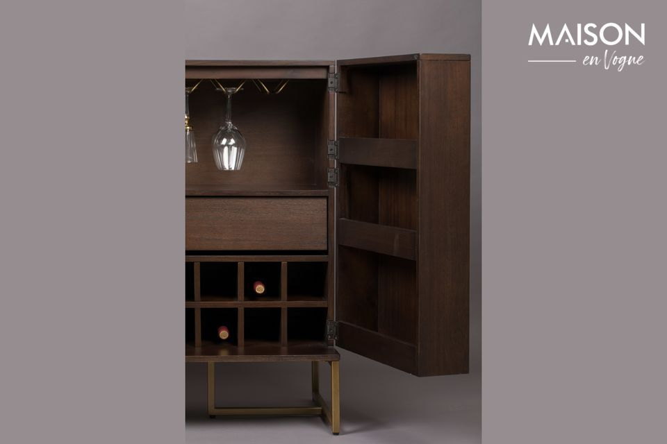 100 cm high, stable on its steel legs, your Class sideboard is 50 cm wide by 100 cm long