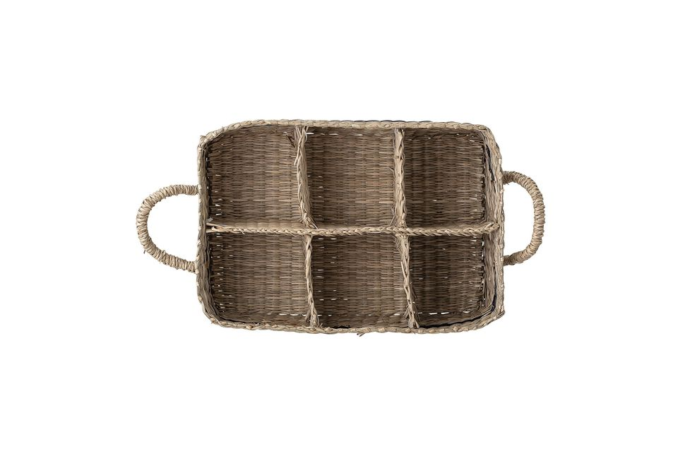 A practical and elegant old-fashioned basket