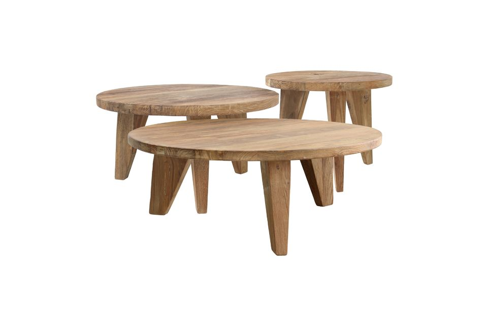 Made of recycled teak, this coffee table stands on 3 trapezoidal legs