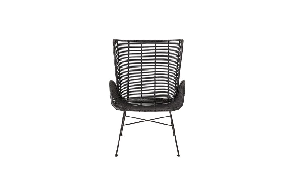 With its rattan frame