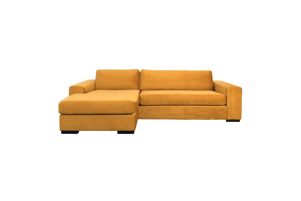 Dressed in a trendy ochre shade, this piece certainly represents a modern vision of comfort