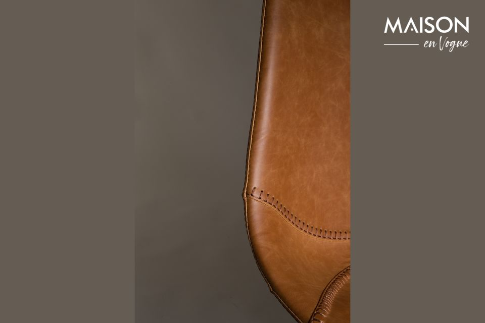 Dutchbone presents a leather bar stool model with pure and vintage lines