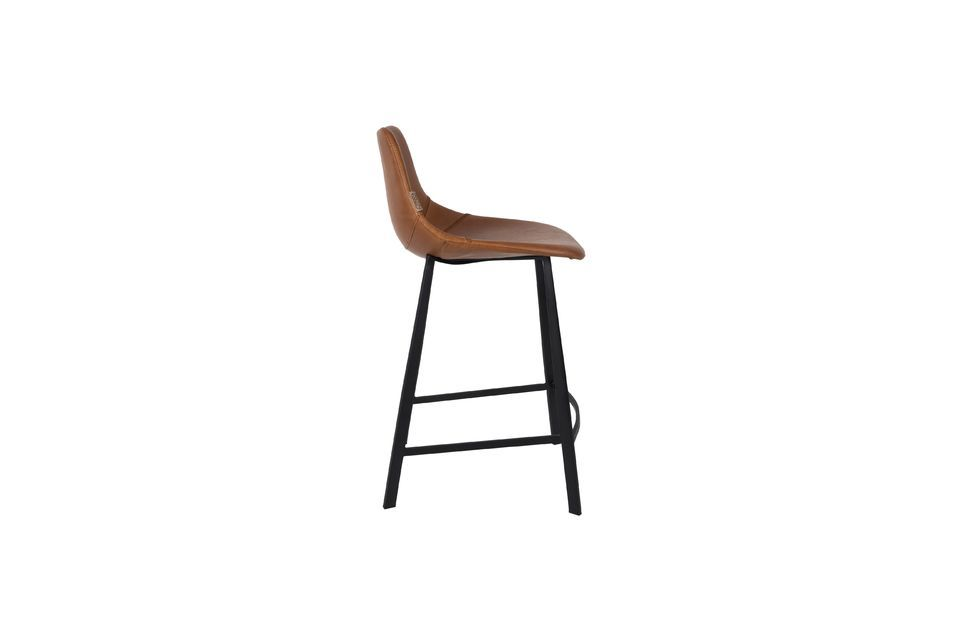 This Franky brown bar stool is equipped with ergonomic footrests