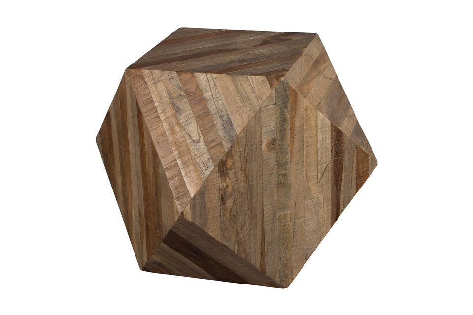 The Geo wood decoration and its unique shape will not fail to bring a welcome originality to your