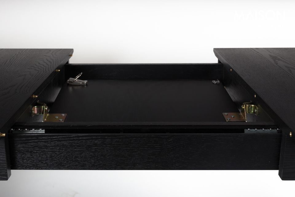 This is what Zuiver offers with the Glimps table, made of veneer and solid black ash
