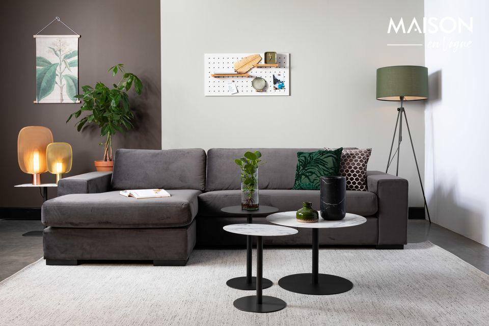 An elegant and modular floor lamp