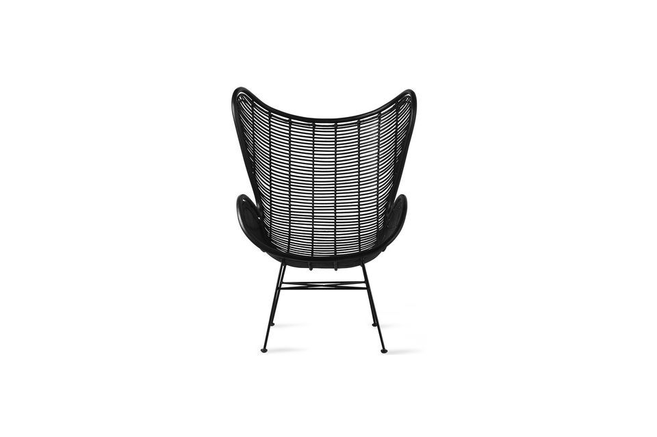 It is made of openwork rattan lacquered in black