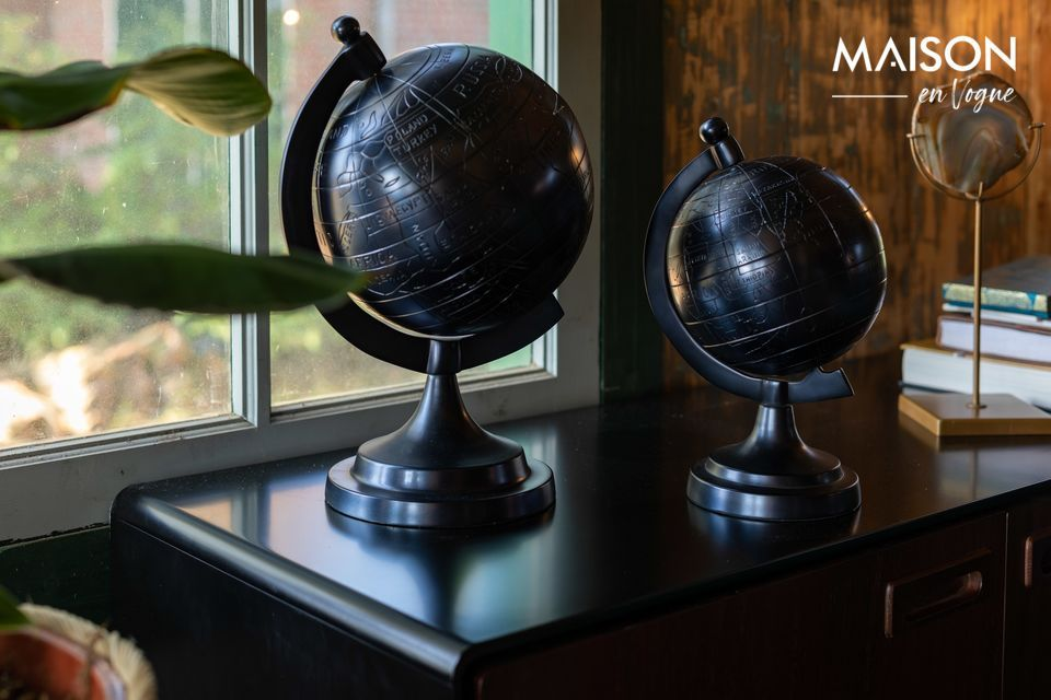 A black aluminium globe