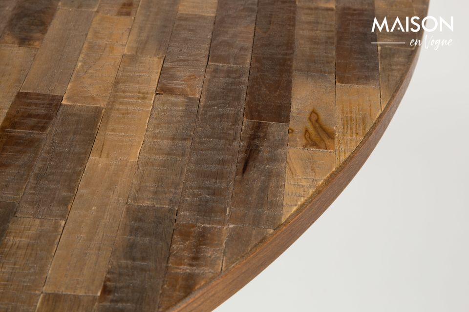 With the combination of wood and display, there is little chance of making a mistake