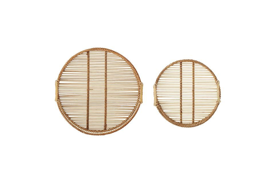 This set of two bamboo trays of different sizes will bring a nice decorative touch to your kitchen
