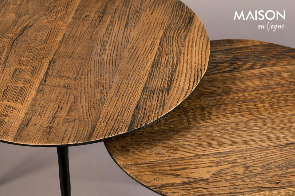Resistant, this wood gives it a warm patina effect, just like antique furniture