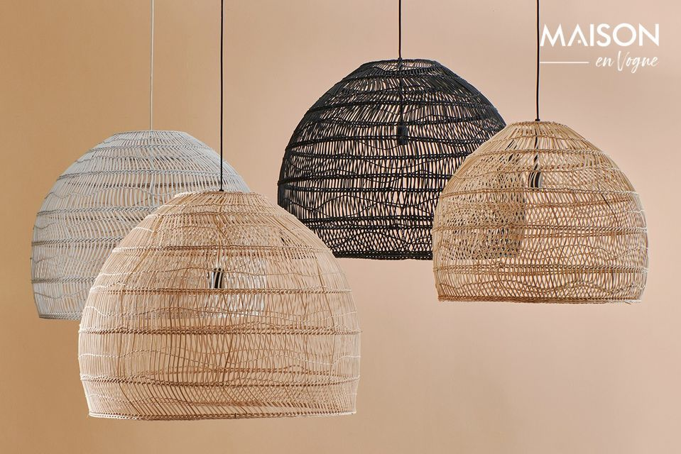 This L pendant lamp with black wicker ball lampshade Sancy brings a natural touch to the interior