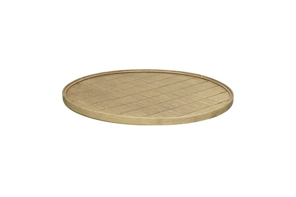 Practicality and elegance of a bamboo tray
