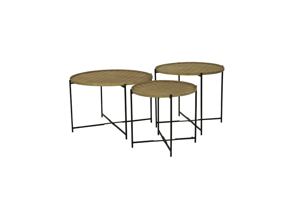 It can be adapted to a metal structure to become a removable table top