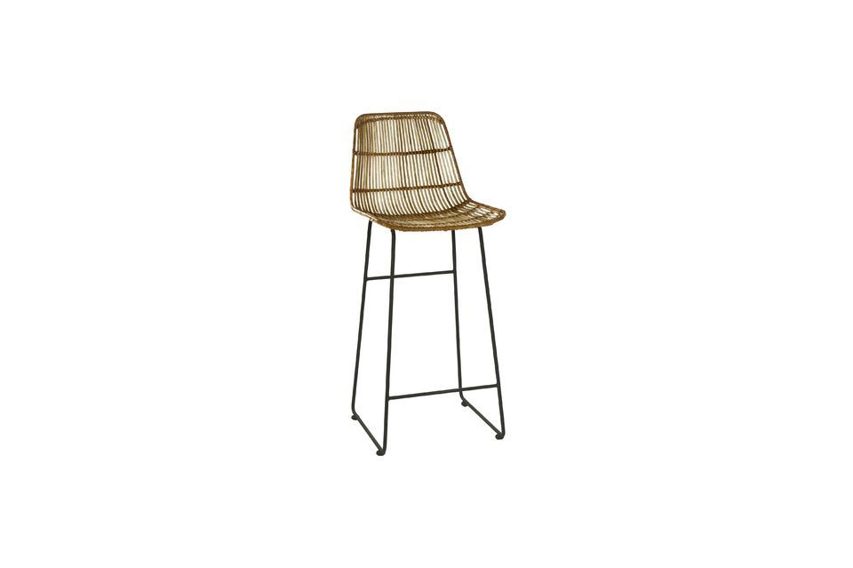 This Sun bar chair model has a metal base with footrests at an ergonomic height for an optimal