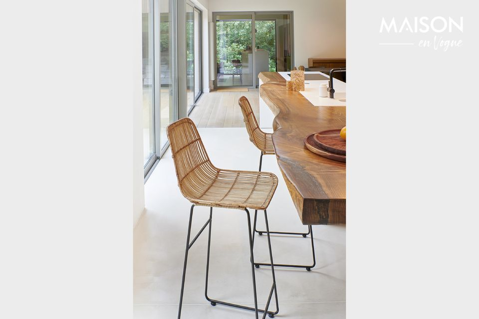 Pomax presents a model of bar chair with backrest and seat in rattan