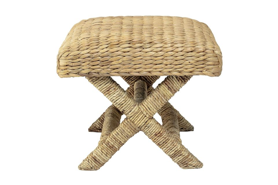 This nice stool with a height of 45 cm is completely natural