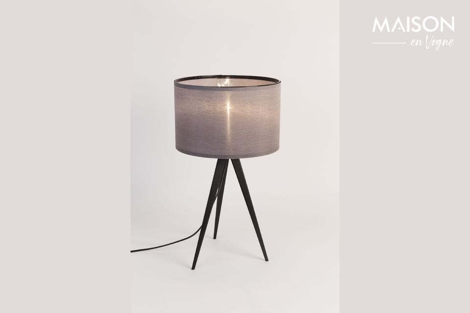 Very stable, it has a grey lampshade which diffuses a pleasant luminosity