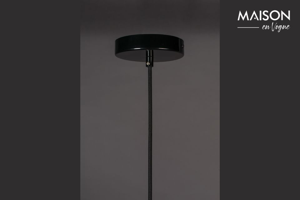 A real design for this black lamp